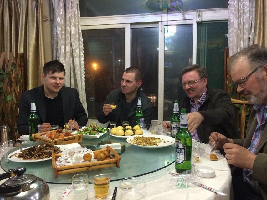 芬兰客户在宇冠就餐